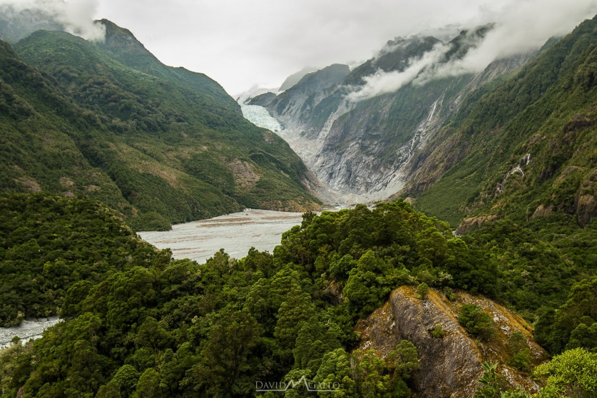 As with any big trip, you're bound to hit that storm that ruins your plans entirely. That happened to us in Franz Josef. What is there to do in the rain? Read more at www.thefivefoottraveler.com