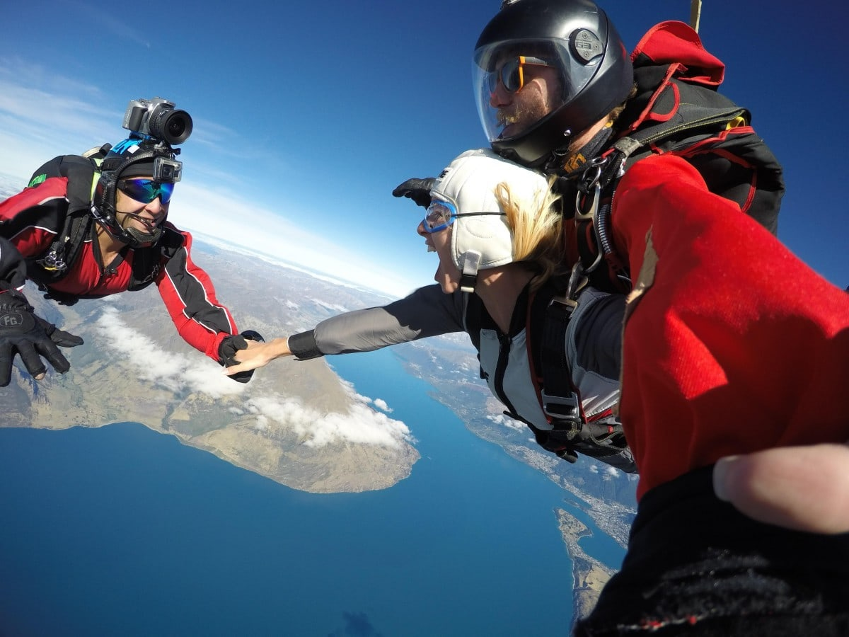 Embrace the fear.For as long as I could remember, I had a debilitating fear of flying.How could I ever jump out of a plane and skydive?