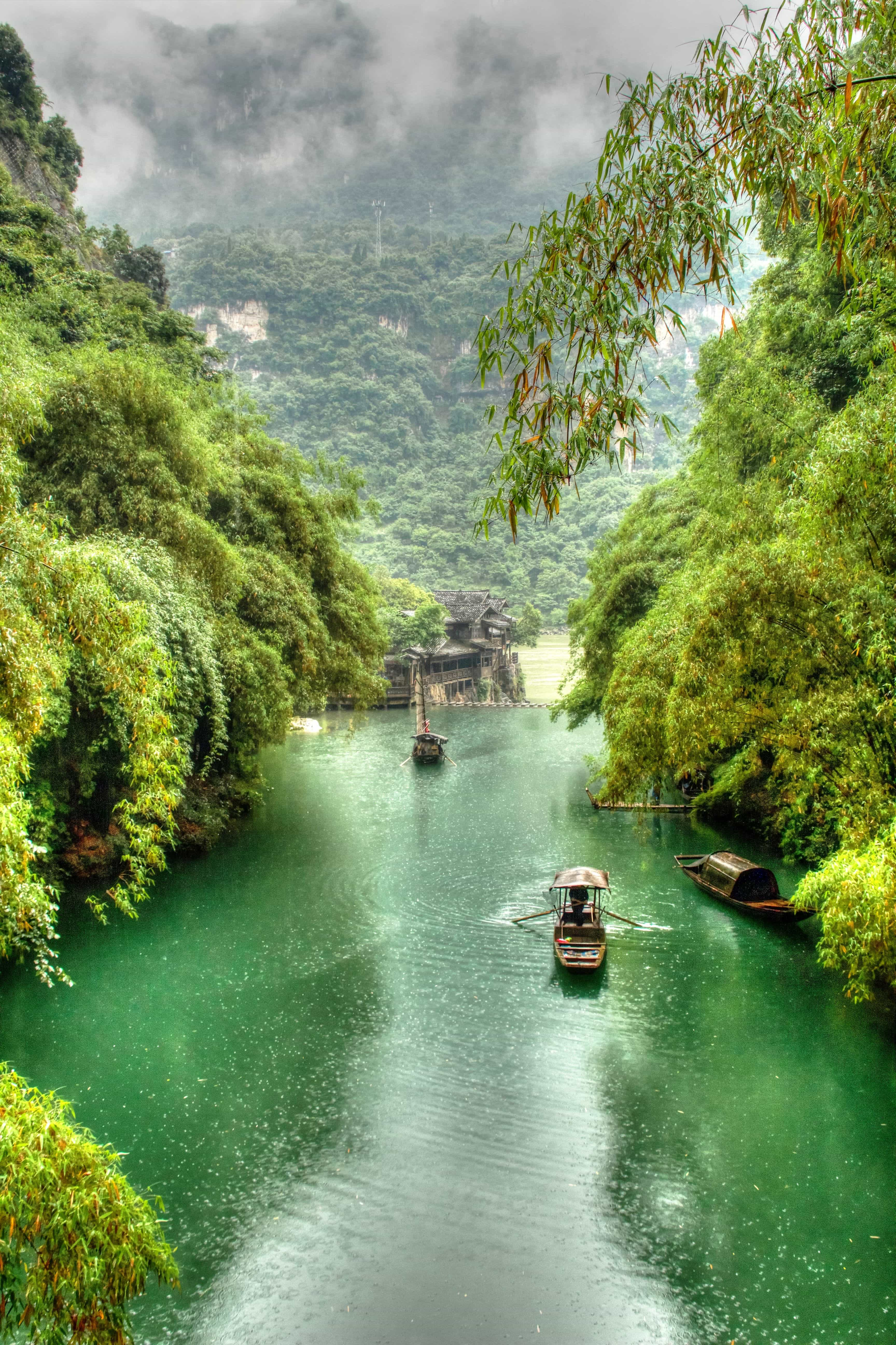 To explore the famous Yangtze River, we hopped on the Victoria Jenna for a five night/four day luxurious cruise through China's beautiful Three Gorges. Read more at www.thefivefoottraveler.com